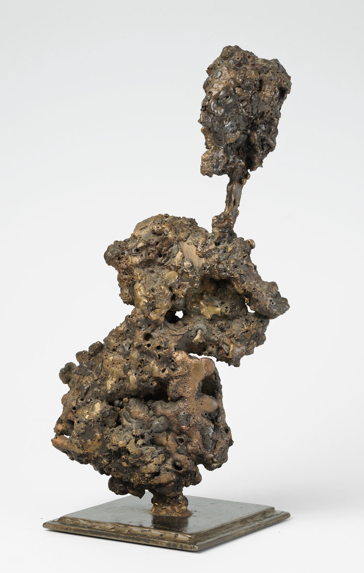personnage en bronze fondu
