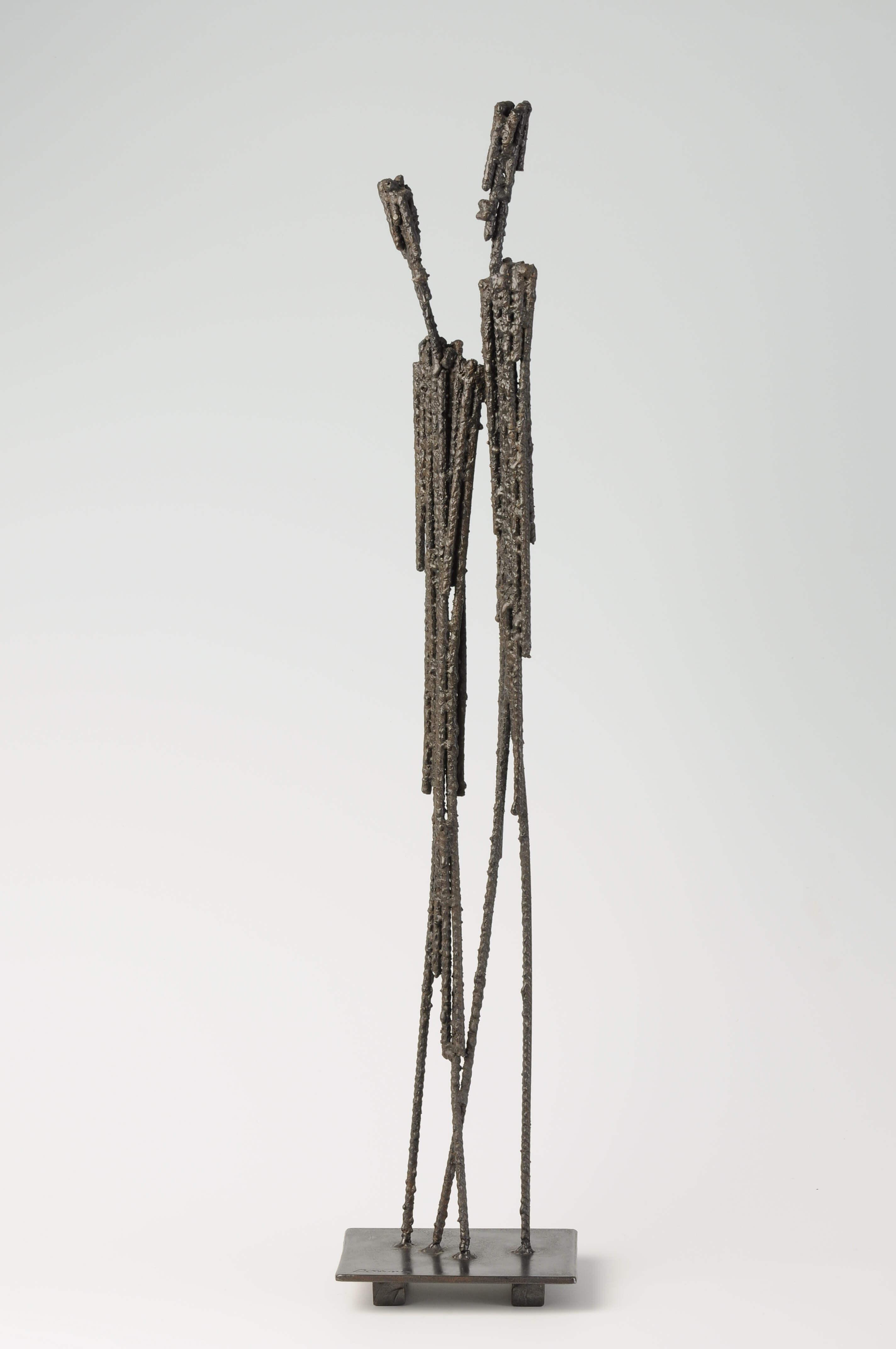 sculpture métallique deux personnages